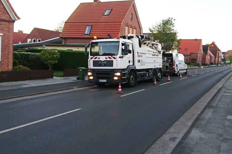 Fahrzeuge der Kanalinspektion und Kanalreingung